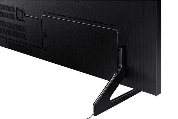Samsung QP98R-8K Signage - B9