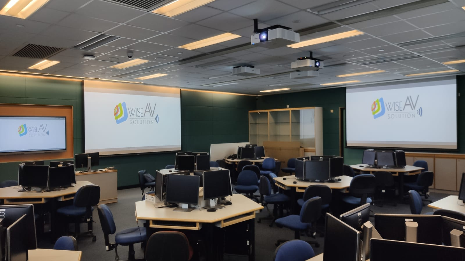 Multi-Media Learning Room for 50 People - WhatsApp Image 2021 03 25 at 17.54.23 1